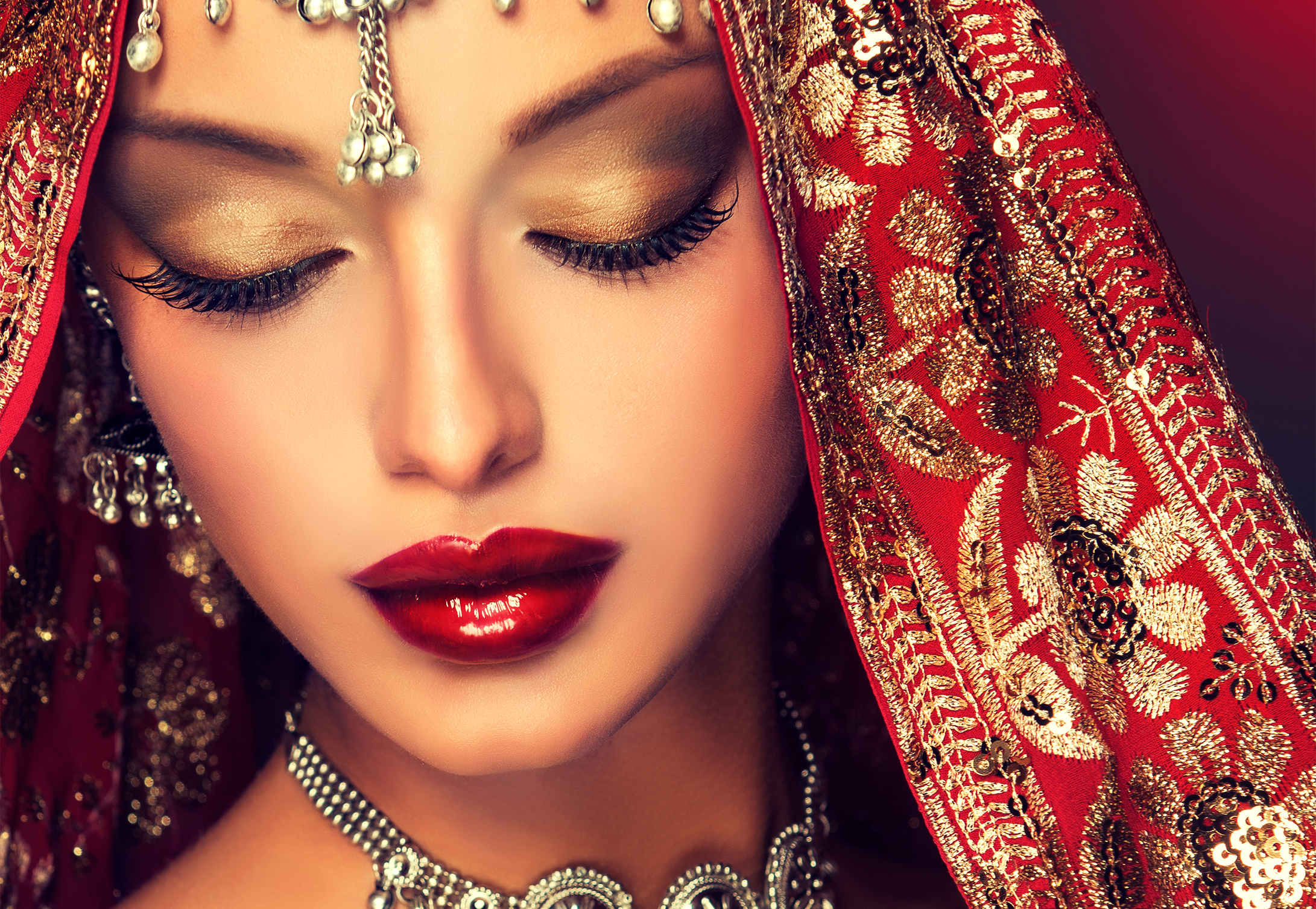 The Art of Bridal Make-Up