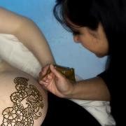henna-belly